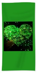 Green Clover Heart Bath Towel