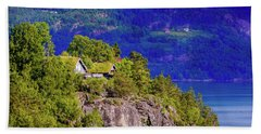 Green Roofs Of Lustrafjorden Bath Towel