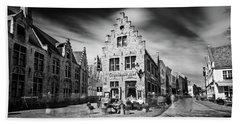 Gruuthuse Hof In Bruges Bath Towel