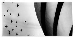 Guggenheim Museum With Pigeons Hand Towel