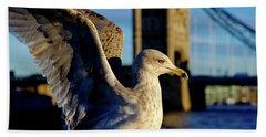 Gull At Tower Bridge Bath Towel
