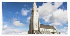 Hallgrimskirkja Church In Reykjavik Bath Towel