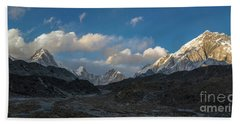 Hand Towel featuring the photograph Heading To Everest Base Camp by Mike Reid