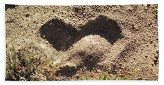 Hand Towel featuring the photograph Heart In The Sand by Deborah Moen