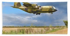 Bath Towel featuring the photograph Hercules Xv222 by Paul Gulliver