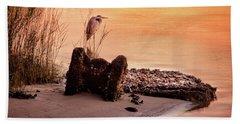 Heron On The Rocks Bath Towel by Phil Mancuso