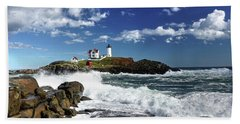 High Surf At Nubble Light Bath Towel