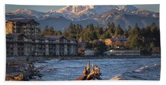 Hand Towel featuring the photograph High Tide In The Bay by Randy Hall