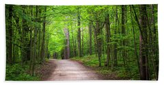 Hiking Trail In Green Forest Bath Towel