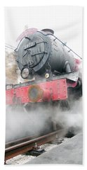 Hand Towel featuring the photograph Hogwarts Express Train by Juergen Weiss