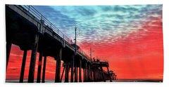 Huntington Beach Pier Sunset Bath Towel