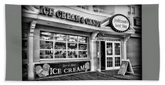 Ice Cream And Candy Shop At The Boardwalk - Jersey Shore Hand Towel