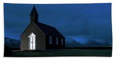 Bath Towel featuring the photograph Icelandic Church At Night by Dubi Roman