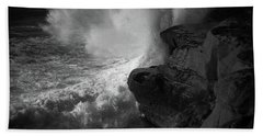 Hand Towel featuring the photograph Impulse by Ryan Weddle