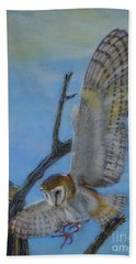 In Flight Barn Owl Hand Towel