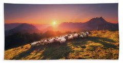 In Saibi With Companionsheep Bath Towel