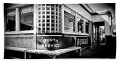 Bath Towel featuring the photograph Jax Diner, Truckee by Vinnie Oakes