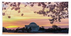Jefferson Memorial At Sunrise With Blossoms Hand Towel
