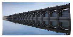 John Martin Dam And Reservoir Bath Towel by Ernie Echols