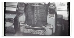 Hand Towel featuring the photograph Juke Box by Nina Prommer
