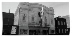 Hand Towel featuring the photograph Kansas City - Gem Theater Bw by Frank Romeo