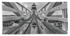 Bath Towel featuring the photograph Keeper's Walkway At Marshall Point by Rick Berk