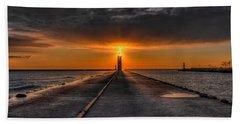 Kenosha Lighthouse Beacon Bath Towel