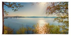 Hand Towel featuring the photograph Kentucky Lake by Ricky L Jones