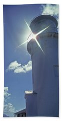 Hand Towel featuring the photograph Kilauea Lighthouse by Marie Hicks