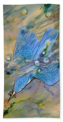 Hand Towel featuring the painting Kingfisher Dive by Ryn Shell