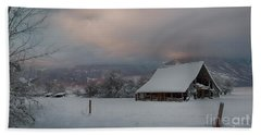 Kootenai Valley Barn Bath Towel