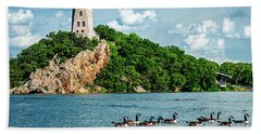 Hand Towel featuring the photograph Lake Murray's Gaggle Of Geese by Tamyra Ayles