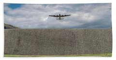 Bath Towel featuring the photograph Lancaster Over The Derwent Dam by Gary Eason