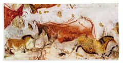 Lascaux Cow And Horses Bath Towel
