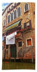 Hand Towel featuring the photograph Laundry Drying In Venice by Anne Kotan