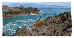 Lava Coastline - West Maui Bath Towel by Glenn McCarthy Art and Photography