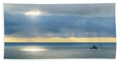 Hand Towel featuring the photograph Light And Lighthouse by Suzette Kallen
