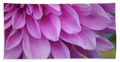 Light Purple Petals Bath Towel