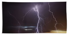 Lightning At Dusk Bath Towel