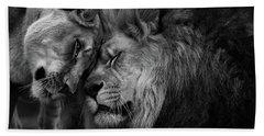 Lion In Love 2 Bath Towel