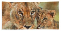 Bath Towel featuring the painting Lioness And Cub by David Stribbling