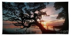 Hand Towel featuring the photograph Live Oak Sunrise by Benanne Stiens
