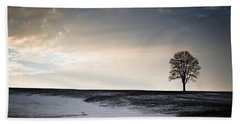 Hand Towel featuring the photograph Lonesome Tree On A Hill IIi by David Sutton