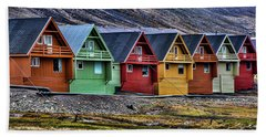 Bath Towel featuring the photograph Longyearbyen by Shirley Mangini