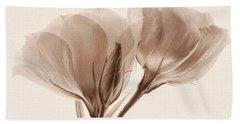 Bath Towel featuring the photograph Loving Memories by Leda Robertson