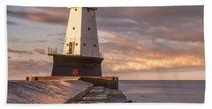 Bath Towel featuring the photograph Ludington North Breakwater Light At Dawn by Adam Romanowicz