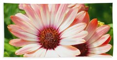 Macro Pink Cinnamon Tradewind Flower In The Garden Bath Towel