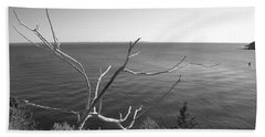 Hand Towel featuring the photograph Maine Coastline by Corinne Rhode