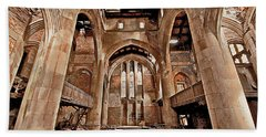 Bath Towel featuring the photograph Majestic Ruins by Suzanne Stout