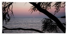 Bath Towel featuring the photograph Maui Sunset by Jennifer Ancker